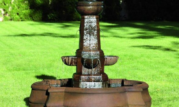 Fleur-De-Lis Fountain on Gregory Pool